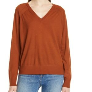 Theory Relaxed V-neck Merino wool Pullover sweater
